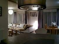 Obývací pokoj - pronájem chalupy Hostinné