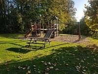 Dětské hřiště u chaty - Čistá v Krkonoších