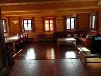 hlavní obytná místnost - chalupa ubytování Benecko