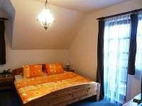 Třílůžkový pokoj D8