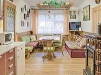 obývací kuchyně - chalupa k pronájmu Háje nad Jizerou - Loukov