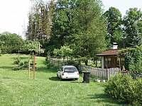 parkování - chalupa k pronájmu Háje nad Jizerou - Loukov