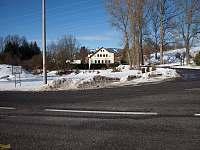 Pohled z hlavní silnice v zimě - Rudník - Javorník