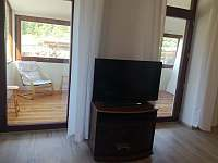 Tv - apartmán k pronájmu Poniklá
