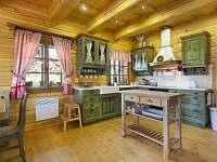 kuchyň - chalupa k pronájmu Horní Lysečiny