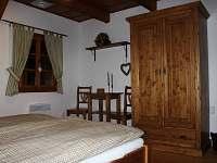 zelený pokoj s hambálkou - pronájem chalupy Horní Lysečiny
