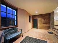 prostorná vstupní hala - apartmán ubytování Dolní Lysečiny