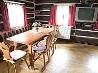 Světnice s jídelnou a kuchyní - chalupa ubytování Rokytnice nad Jizerou