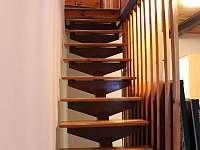 schodiště - pronájem chalupy Hertvikovice