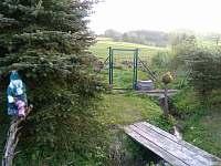 Zahrada. - chalupa k pronajmutí Mříčná