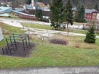 venkovní fit park pod chatou - Janské Lázně