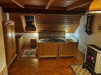 pokoj v podkroví - Kocbeře