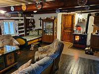 společenská místnost - chalupa ubytování Kocbeře