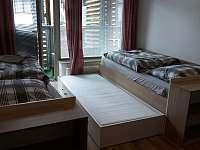 Ložnice - výsuvné lůžko - přistýlka - apartmán k pronajmutí Harrachov
