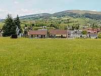 pohled na ubytování ze sjezdovky Sachrovka - Rokytnice nad Jizerou