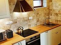 Plně vybavený kuchyňský kout - pronájem chalupy Rokytnice nad Jizerou