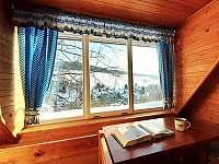 Výhled z patra na zasněžený Strážník - Rokytnice nad Jizerou