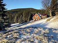 Bakukova chalupa - Horní Malá Úpa - Krkonoše - zimní pohled na chalupu - ubytování Horní Malá Úpa