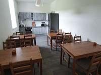 Kuchyně s jídelnou - apartmán k pronajmutí Horní Maršov