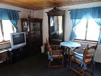 obývák chata - ubytování Poniklá