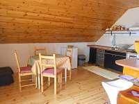 kuchyn,jidelna,společny pokoj s televizí