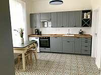 Kuchyň - vila ubytování Pecka
