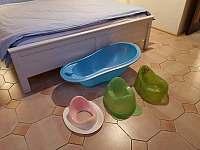 Vanička, nočníky a nástavec na WC