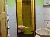 2koupelna se sprchovým koutem