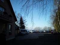 Pohled na parkoviště