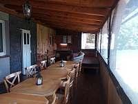 Terasa s kuchynkou a spanim - chata ubytování Vysoké nad Jizerou - Helkovice