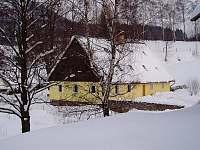 Chalupa v zimně - k pronájmu Bernartice