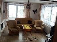 Obývací pokoj - přízemí - rekreační dům ubytování Svoboda nad Úpou