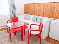 čtyřlůžkový pokoj se společnou koupelnou a záchodem - Jestřabí v Krkonoších