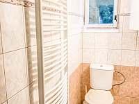 společná koupelna s WC