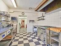 Kuchyně velká s profi zařízením, myčka, mikrovlnka, pračka, sušička - Rudník