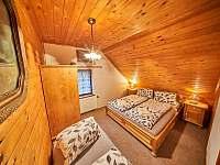 Pokoj č.6 v podkroví s vanou - třílúžkový - Rudník