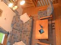 Celkový pohled na obývací prostor v prvním patře