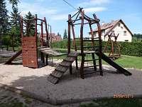 dětské hřiště - pronájem chalupy Studenec