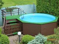 pohled na bazén - pronájem chalupy Studenec