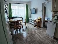 Jídelní část - apartmán k pronajmutí Vrchlabí - Herlíkovice