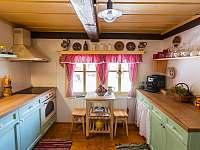Kuchyně - chalupa k pronájmu Dolní Dvůr