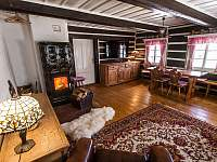 Obývací pokoj - pronájem chalupy Dolní Dvůr