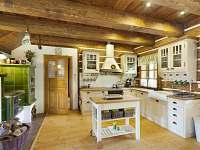 kuchyň - pronájem chalupy Horní Lysečiny