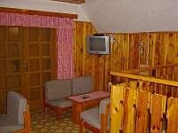 společenská místnost v patře - bez televize - pronájem chaty Velká Úpa