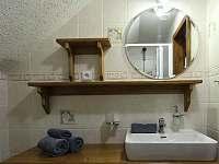 koupelna patro - chalupa k pronajmutí Horní Maršov