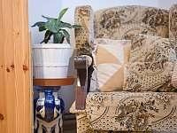 Křeslo v ložnici - apartmán ubytování Svoboda nad Úpou