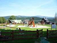 dětské hřiště Strážné - chalupa k pronajmutí