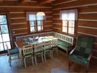 Jídelní stůl - chalupa ubytování Mostek - Debrné