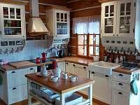 Kuchyň - chalupa k pronajmutí Mostek - Debrné
