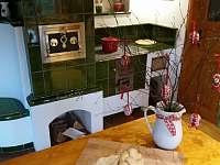 Pečení v kamnech - chalupa k pronájmu Mostek - Debrné